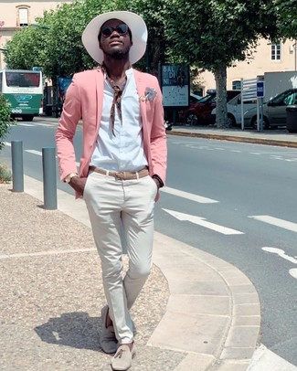 How to wear: pink blazer, white long sleeve shirt, white chinos, beige suede tassel loafers