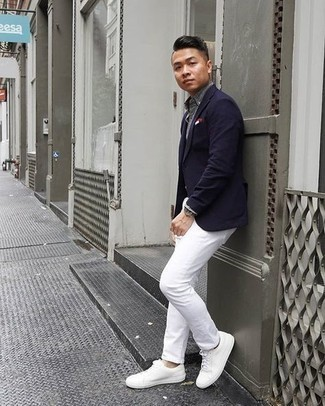 Men's Looks & Outfits: What To Wear In 2020: Teaming a navy blazer with white chinos is a great option for an effortlessly classic outfit. When this outfit is just too much, dress it down by slipping into white leather low top sneakers.