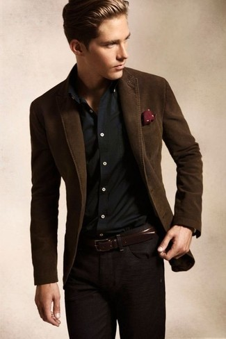 Pairing a dark brown blazer jacket with dark brown casual pants is an on-point option for a day in the office. We're loving how perfect this getup is when real summer weather settles in.