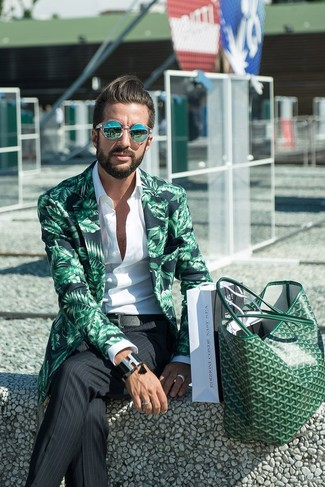 Pairing a green print blazer with a Diesel Layered Bracelet is an on-point option for a day in the office. What an exciting idea for summertime!