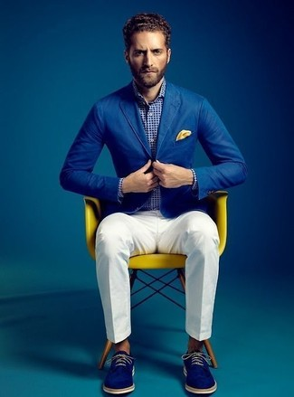 Swing into something classic yet on-trend with a blue cotton blazer and a Forzieri Polkadot Twill Silk Pocket Square. Complete this look with blue suede derby shoes. This combo is also perfect if you're after warm weather wear to get through a boring day at work.