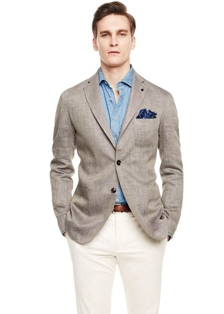 A grey linen blazer and a Ted Baker men's Lawks Dot Pocket Square are a nice combination that will earn you the proper amount of attention. We love that this combo is great when summer settles in.