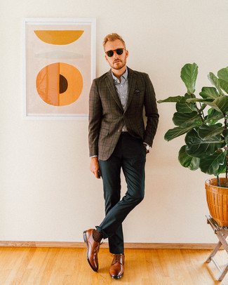 Fashion for 30 Year Old Men: What To Wear: Go for a dark brown plaid blazer and dark green dress pants for a sleek classy menswear style. On the footwear front, this ensemble pairs really well with brown leather derby shoes.