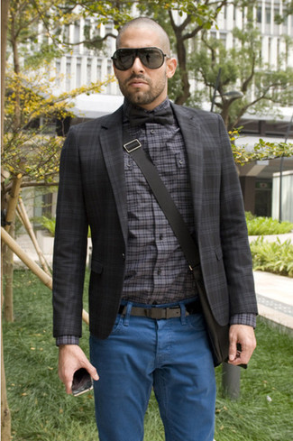 This combination of a charcoal tartan coat and blue jeans is impeccably stylish and yet it looks relaxed and ready for anything. As you can see, this is a knockout choice for warm weather.