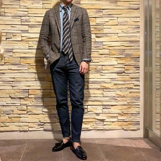 How to wear: brown check blazer, light blue chambray long sleeve shirt, navy jeans, black leather tassel loafers