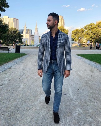 How to wear: navy gingham blazer, navy long sleeve shirt, blue jeans, black suede loafers