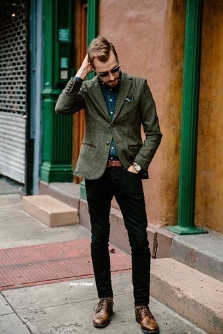 How To Wear Black Pants With Brown Shoes For Men: This look suggests that it is totally worth investing in such menswear staples as a dark green blazer and black pants. To give your outfit a sleeker spin, why not introduce a pair of brown leather brogues to the mix?