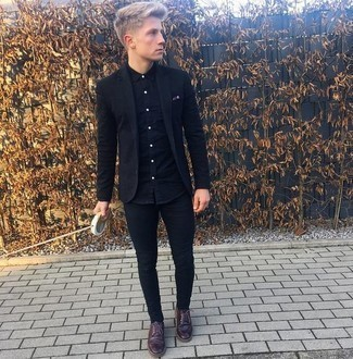 How to Wear a Black Long Sleeve Shirt For Men: For an ensemble that's super easy but can be manipulated in a multitude of different ways, opt for a black long sleeve shirt and black skinny jeans. Bring an elegant twist to an otherwise utilitarian outfit by slipping into a pair of burgundy leather derby shoes.