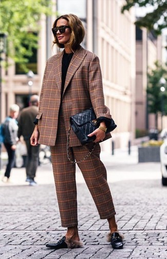 How to wear: brown plaid blazer, black long sleeve t-shirt, brown plaid dress pants, black leather loafers