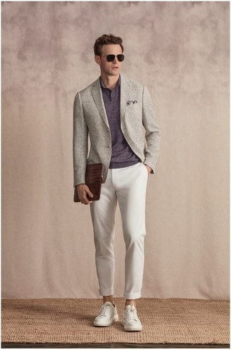 Violet Polo Outfits For Men: A violet polo and white chinos will bring extra style to your day-to-day casual collection. A nice pair of white canvas low top sneakers pulls this ensemble together.