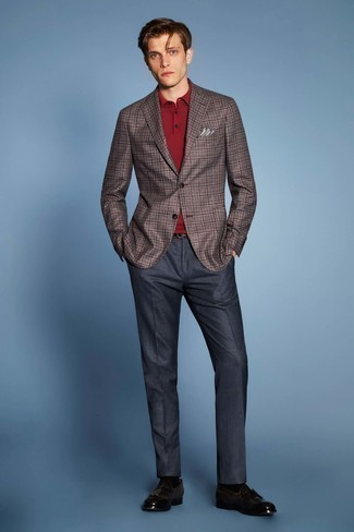 Fashion for 30 Year Old Men: What To Wear: This ensemble clearly shows it pays to invest in such elegant menswear items as a brown plaid blazer and navy dress pants. Complement your outfit with a pair of dark brown leather tassel loafers et voila, this look is complete.
