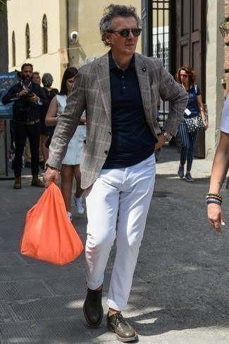 How to Wear an Orange Canvas Tote Bag For Men: A grey plaid blazer and an orange canvas tote bag matched together are the perfect ensemble for gents who love cool and relaxed styles. Finishing off with dark green leather derby shoes is a surefire way to introduce some extra depth to this getup.