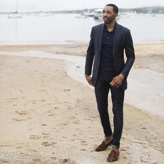 Black Jeans with Polo Outfits For Men: Make a polo and black jeans your outfit choice for a laid-back kind of sophistication. And if you wish to instantly spruce up this look with footwear, complement this outfit with dark brown fringe suede loafers.