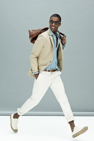 Beige Blazer Outfits For Men: A beige blazer and white chinos are an easy way to introduce some rugged refinement into your casual fashion mix. For something more on the casually edgy end to finish your getup, complement this outfit with white canvas low top sneakers.