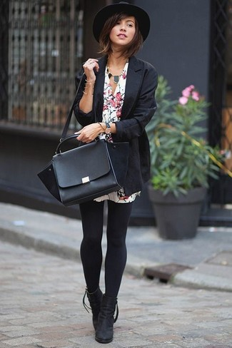 A blazer with a white floral shirtdress has become an essential combo for many style-conscious girls. Dress up this outfit with black suede ankle boots. A look like this is perfect for transitional weather.