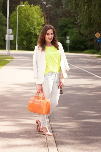 How to wear: white blazer, green-yellow lace short sleeve blouse, light blue skinny jeans, white leather flat sandals