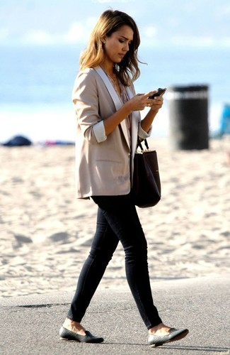 Jessica Alba wearing Beige Blazer, Beige Short Sleeve Blouse, Black Skinny Jeans, Black Leather Loafers