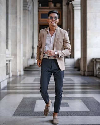 Beige Blazer Outfits For Men: Marrying a beige blazer and navy chinos is a guaranteed way to infuse your styling collection with some laid-back sophistication. Finishing with a pair of beige suede loafers is an easy way to give some extra elegance to your look.