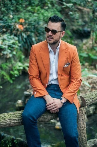 How to Wear Dark Brown Sunglasses For Men: Why not reach for an orange blazer and dark brown sunglasses? Both of these pieces are totally practical and will look cool combined together.