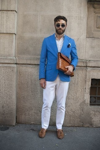 How to Wear Brown Leather Tassel Loafers: Nail the dapper look with an aquamarine blazer and white dress pants. Brown leather tassel loafers complement this look quite well.