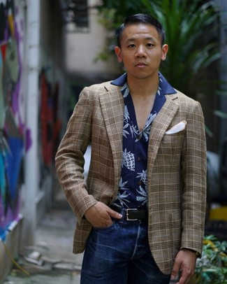 How to wear: brown plaid blazer, navy print short sleeve shirt, navy jeans, white pocket square