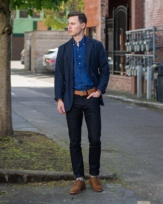 Navy Blazer Outfits For Men: This look demonstrates it is totally worth investing in such menswear essentials as a navy blazer and black jeans. A great pair of brown suede brogues is an easy way to give a touch of elegance to this look.