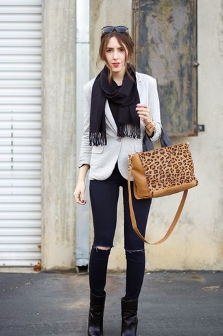 Black Scarf Outfits For Women: This casual combo of a grey blazer and a black scarf can take on different forms depending on the way it's styled. Introduce black leather ankle boots to this look to completely switch up the look.