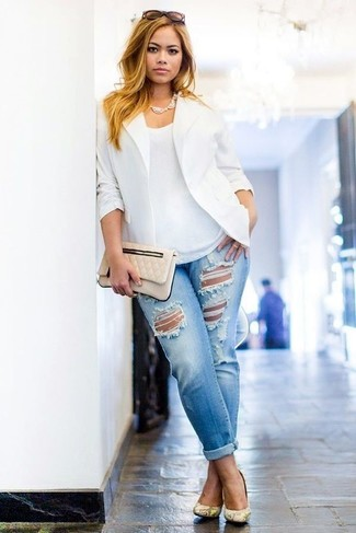 How to Wear Light Blue Ripped Boyfriend Jeans: Team a white blazer with light blue ripped boyfriend jeans if you wish to look casual and cool without exerting much effort. For something more on the classy side to complete your look, add a pair of yellow snake leather pumps to your ensemble.