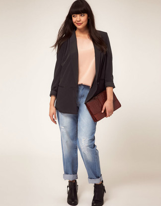 How to Wear Light Blue Ripped Boyfriend Jeans: If you're looking for a casual yet absolutely chic ensemble, make a black silk blazer and light blue ripped boyfriend jeans your outfit choice. Finishing off with black leather ankle boots is a fail-safe way to introduce a little fanciness to your ensemble.