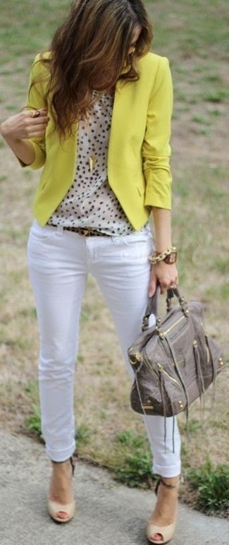 How to wear: yellow blazer, beige polka dot sleeveless top, white skinny jeans, beige cutout leather pumps