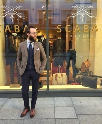 How to Wear a Navy Polka Dot Tie For Men: A tan plaid blazer and a navy polka dot tie are a polished look that every dapper man should have in his collection. Up your ensemble with a pair of brown leather oxford shoes.