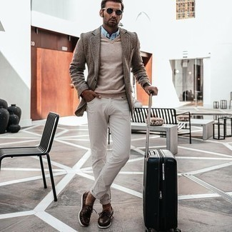 Dark Brown Leather Boat Shoes Outfits: This outfit with a brown wool blazer and white jeans isn't hard to score and easy to change. Dark brown leather boat shoes are a guaranteed way to give a dash of stylish effortlessness to this outfit.