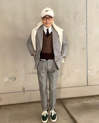 1200+ Smart Casual Outfits For Men: Marrying a grey check wool blazer and grey wool dress pants is a fail-safe way to infuse your current wardrobe with some rugged refinement.