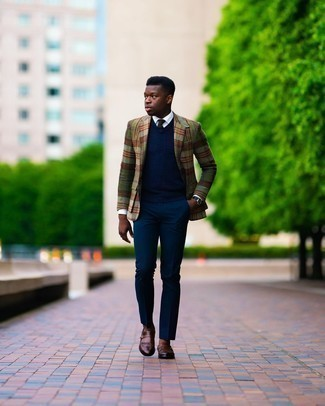 Navy Dress Pants Outfits For Men: You'll be surprised at how very easy it is to get dressed like this. Just a multi colored plaid wool blazer paired with navy dress pants. Add brown fringe leather loafers to the mix and you're all set looking dashing.