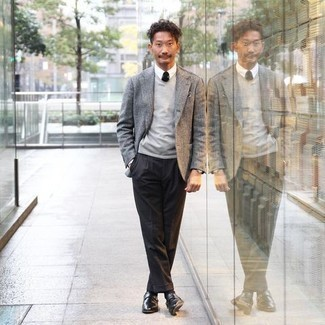 Grey Blazer Outfits For Men: You'll be surprised at how super easy it is to get dressed this way. Just a grey blazer combined with black dress pants. When it comes to shoes, this look is finished off really well with black leather monks.