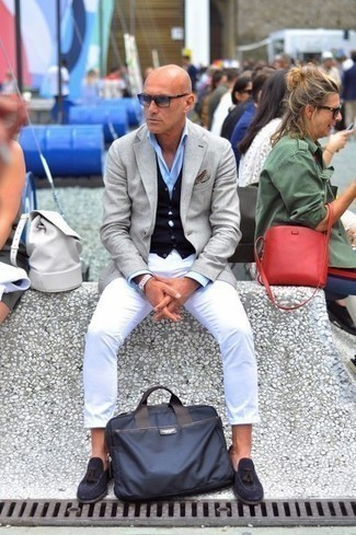 Jacket Outfits For Men: A jacket and white chinos? Make no mistake, this menswear style will make women swoon. Let your styling prowess really shine by rounding off this getup with a pair of navy suede tassel loafers.