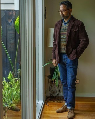 Jeans Outfits For Men: Such essentials as a dark brown corduroy blazer and jeans are the perfect way to inject a hint of rugged sophistication into your casual rotation. Brown suede loafers are an effective way to upgrade this outfit.