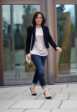 Women's Black Blazer, Beige Silk Tunic, Navy Skinny Jeans, Black Suede Pumps