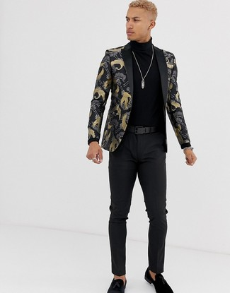 How to Wear a Black Brocade Blazer In Your 20s For Men: A black brocade blazer and black chinos are absolute must-haves if you're putting together a polished closet that matches up to the highest menswear standards. Complete your getup with a pair of black suede tassel loafers to instantly shake up the outfit.