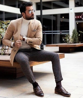 Dark Brown Bracelet Outfits For Men: Make a tan blazer and a dark brown bracelet your outfit choice for a laid-back and trendy outfit. A cool pair of dark brown fringe leather loafers is a simple way to upgrade this outfit.