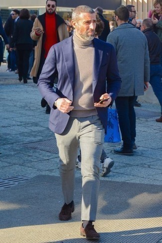 Jacket Outfits For Men: This ensemble shows it is totally worth investing in such menswear items as a jacket and grey chinos. Inject your look with a dash of class by finishing with a pair of dark brown suede tassel loafers.