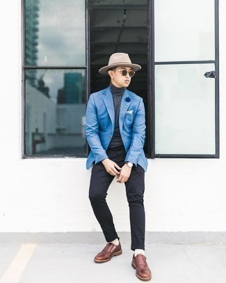 White Print Pocket Square Outfits: A big yes to this city casual pairing of a blue blazer and a white print pocket square! Complement your getup with a pair of brown leather monks to completely shake up the outfit.