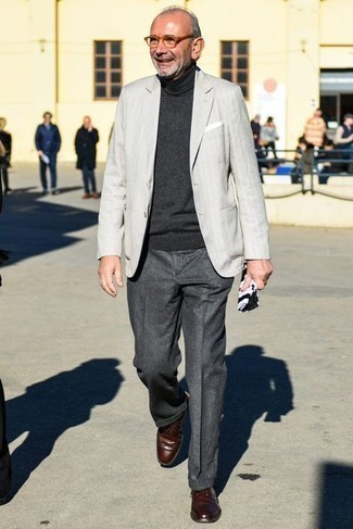 How to Wear Charcoal Wool Dress Pants For Men: A grey blazer and charcoal wool dress pants are a truly dapper outfit for you to try. The whole look comes together when you introduce a pair of burgundy leather derby shoes to the mix.