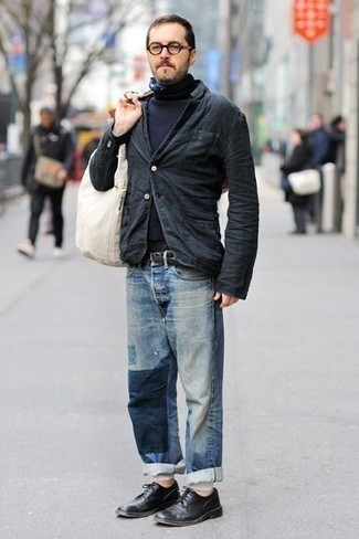 How to Wear a Navy Turtleneck For Men: For an ensemble that brings practicality and fashion, wear a navy turtleneck with light blue patchwork jeans. Tap into some David Beckham dapperness and complete this ensemble with black leather derby shoes.