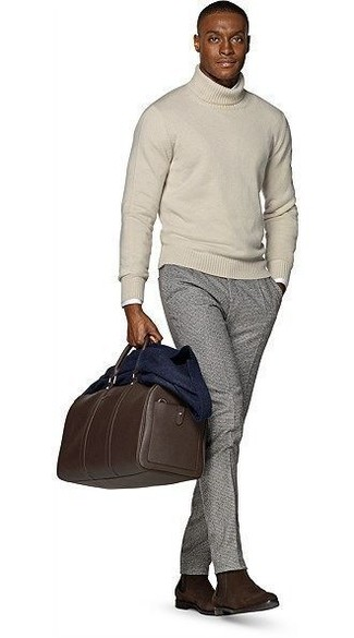 How to Wear Grey Wool Dress Pants For Men: A modern man's polished collection should always include such must-haves as a navy wool blazer and grey wool dress pants. You could perhaps get a little creative in the footwear department and complement your look with a pair of dark brown suede chelsea boots.