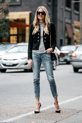 How to wear: black embellished blazer, white and black horizontal striped turtleneck, blue skinny jeans, black suede pumps