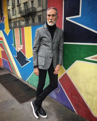 How to wear: grey wool blazer, black turtleneck, black skinny jeans, black leather slip-on sneakers