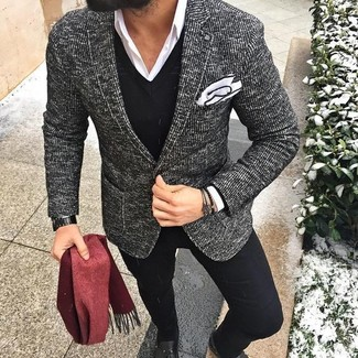 A black and white tweed blazer and a red scarf is a good combination to impress a girl on a date night. Round off this getup with black leather tassel loafers. This combo is a pretty smart option, especially for fall, when the temps are starting to drop.