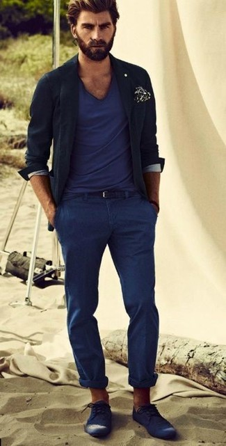 How to wear: black blazer, navy v-neck t-shirt, navy chinos, navy leather brogues