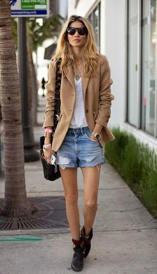 How to wear: tan wool blazer, white v-neck t-shirt, light blue denim shorts, black leather ankle boots